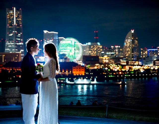 横浜市内の綺麗な夜景でウェディングフォト、前撮り出張撮影